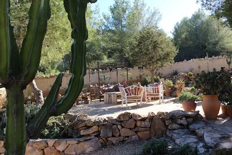 Gorgeous Finca (Villa) Es cubells/ Cala d'Hort.