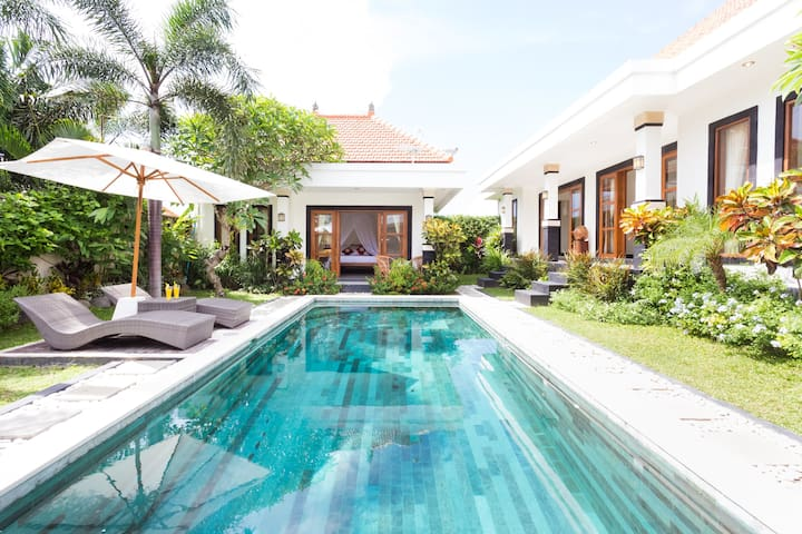 CHARMING 3BR PRIVATE VILLA POOL ★ TROPICAL GARDEN