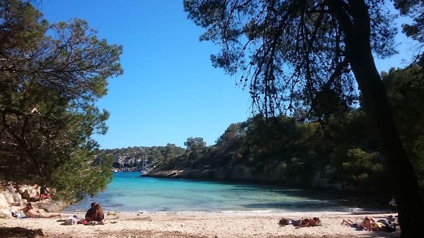 Playa del Rey, a 10 minutos a pie. Cerca de un pequeño puerto deportivo de embarcaciones