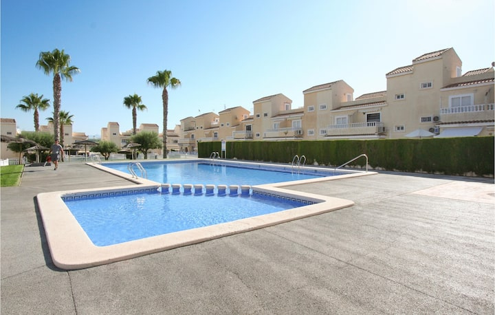 Nice home in Santa Pola with Outdoor swimming pool and 2 Bedrooms