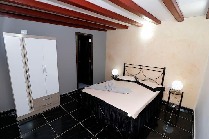 ROOM 2 BED&BREAKFAST LA CUBANA