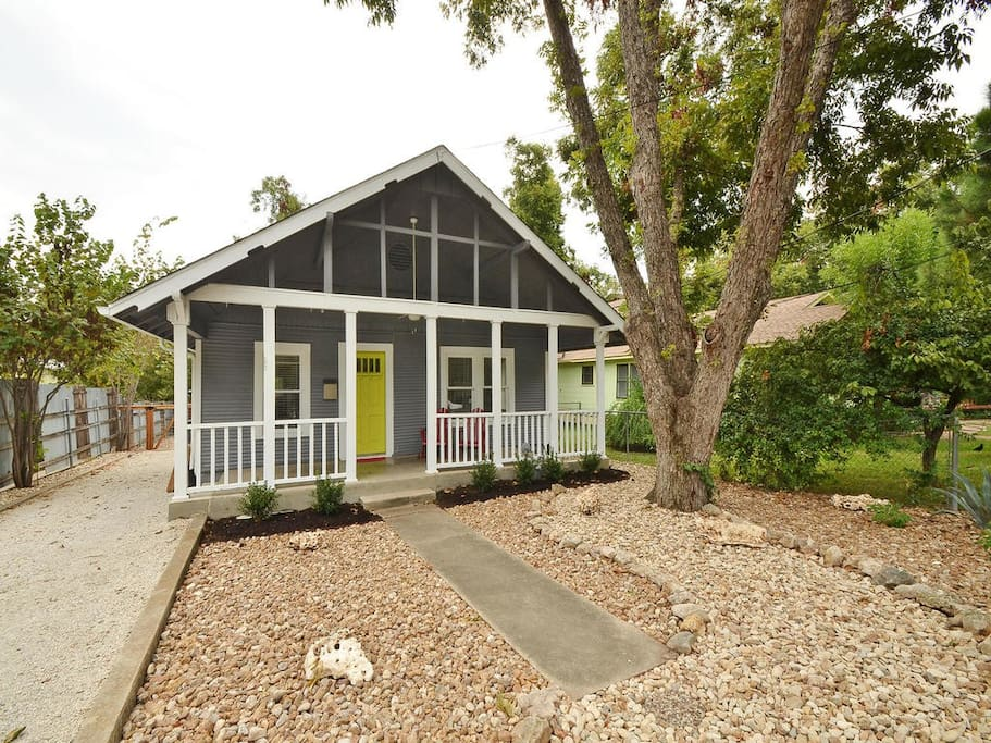 Front door/porch. Keyless/keypad entry allowing for easy and flexible check-in.