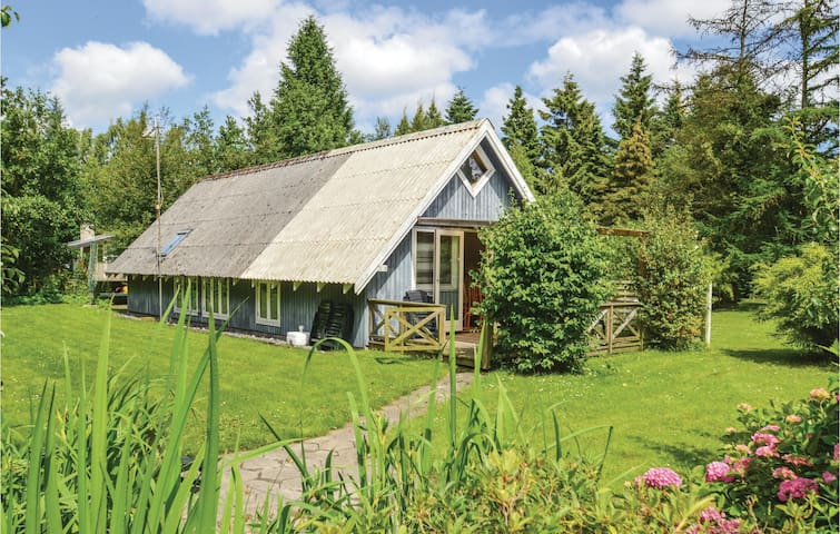 Holiday cottage with 2 bedrooms on 70m² in Væggerløse