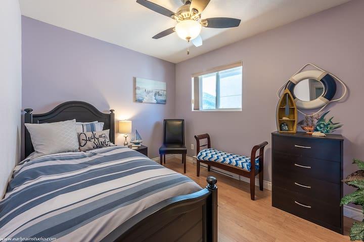 Single bedroom/boat room