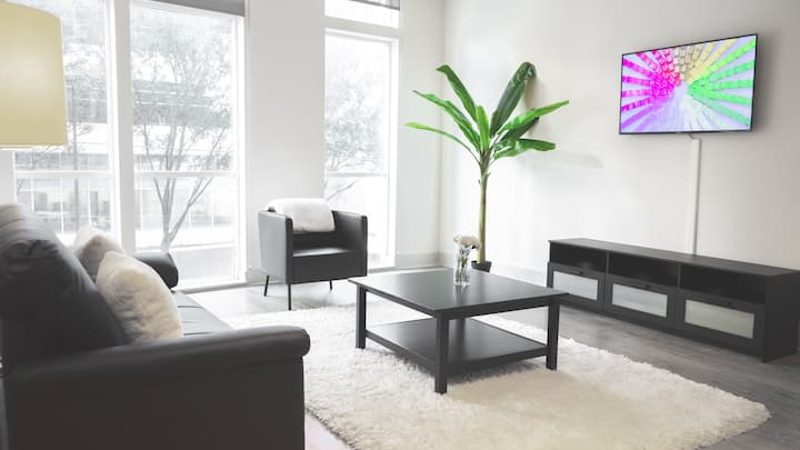 Private Midtown Condo + Free Parking
