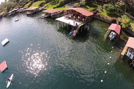 Beautiful house in a beautiful lake - Lago de Coatepeque - Ev
