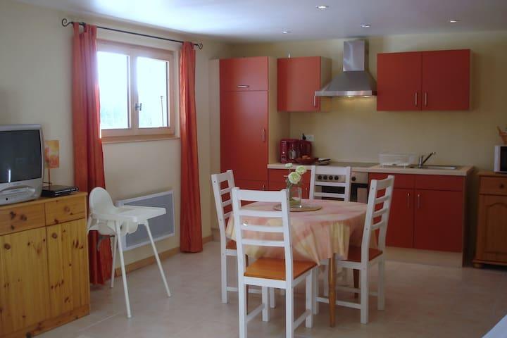 Jolis Studio près de  Mouthe - Rondefontaine - Huoneisto
