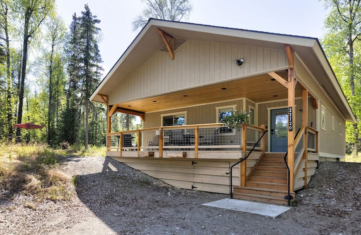 Forrest Glenn Chalet in Talkeetna, Alaska. Family Friendly, Near Denali National Park, Sleeps 8