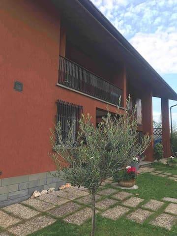 Camera singola in villa nel verde di Forli