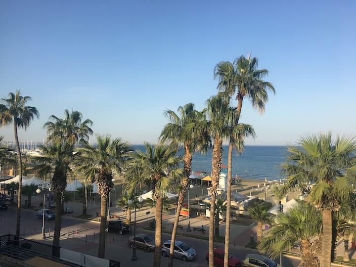 Alex Beach Apartment on the beach Direct sea view!