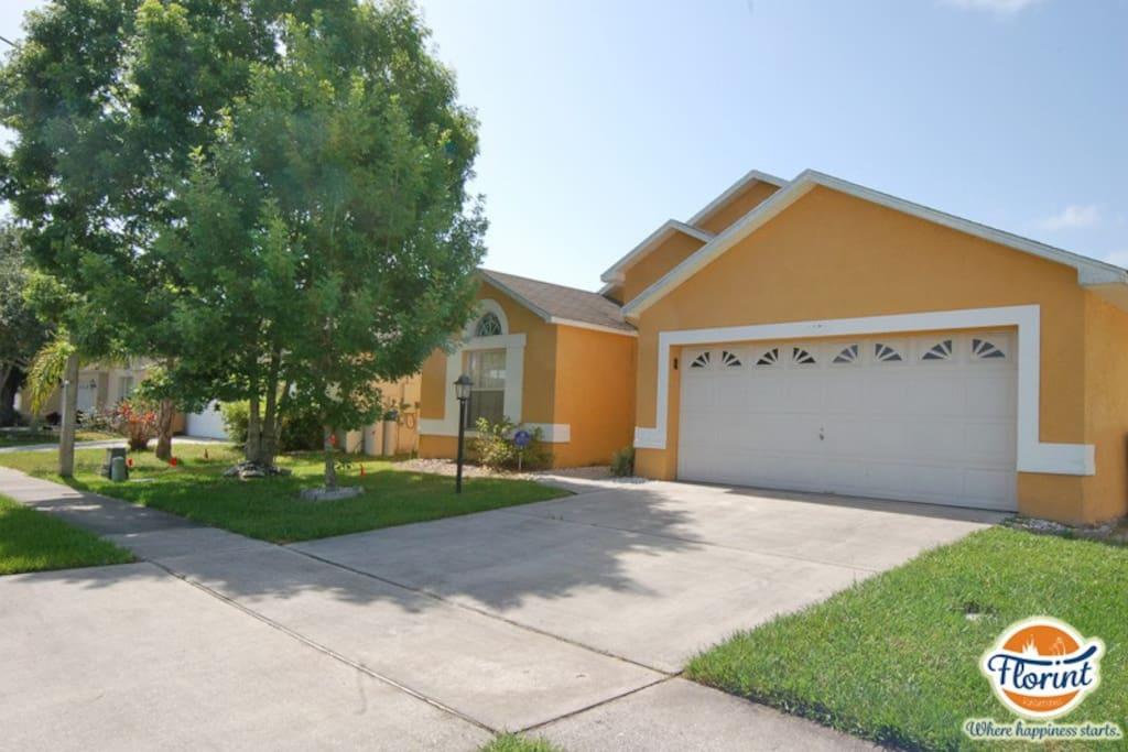 Located in the heart of Kissimmee just minutes from all the theme parks Central Florida has to offer.