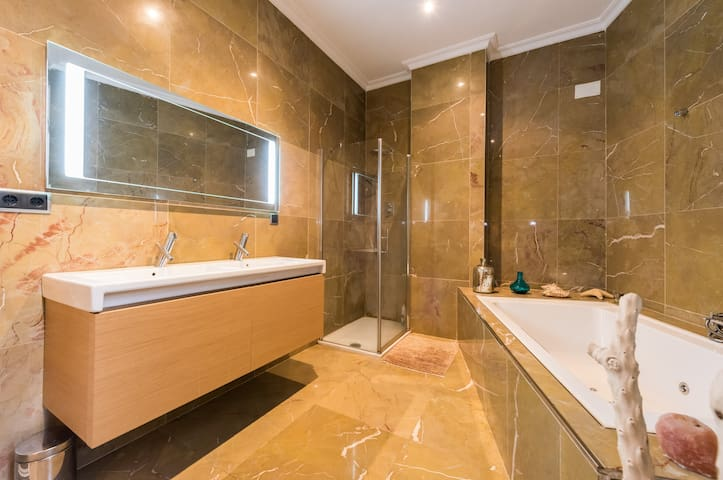 Jacuzzi suite - Madrid - Bed & Breakfast