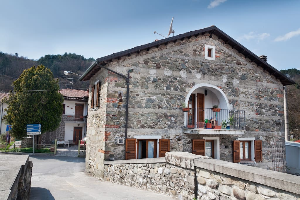 Gragnola lunigiana north tuscany houses for rent in for Rent a house in tuscany