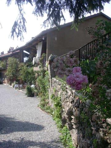 Casale della via Francigena - B&B - Viverone - Villa