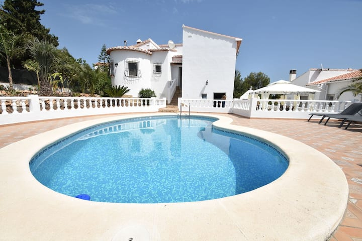 Fantastic villa in Oliva, great view of the mountains & private swimming pool