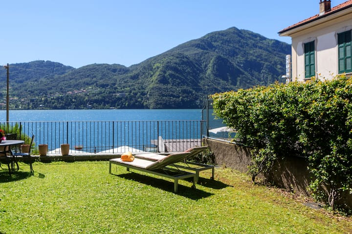 Epic view, large sunny garden, direct on the lake! - Tremezzo
