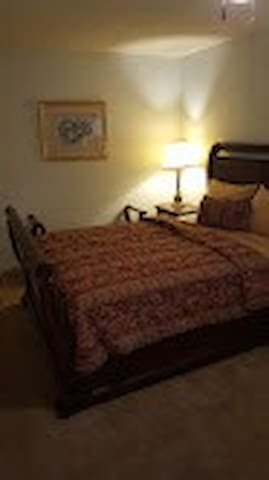 Brightwood Master Suite near I95, Hwy 421 and 301
