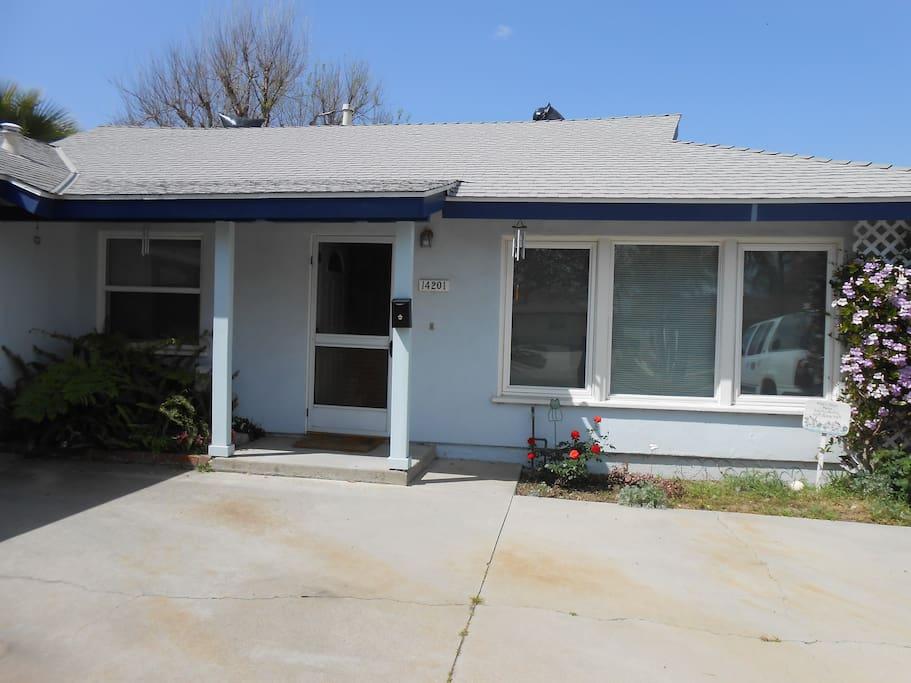 B b anaheim lil saigon hb lb w home comforts houses for for King s fish house anaheim