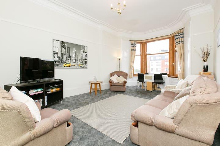 Top Floor Bright Spacious 2 Bedroom - Glasgow - Apartamento
