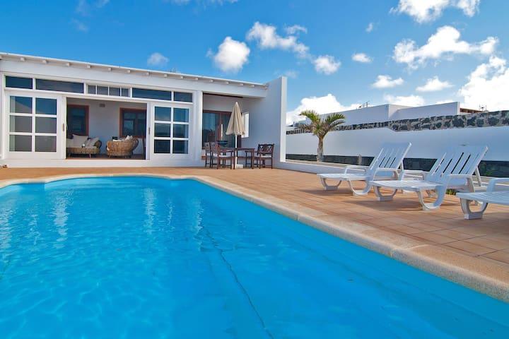 Villa Yeni - heated pool - Playa Blanca - Villa