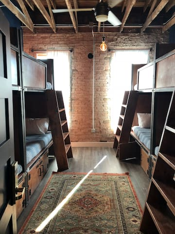 Deep Ellum Hostel, 6-Bed Coed Shared Dorm