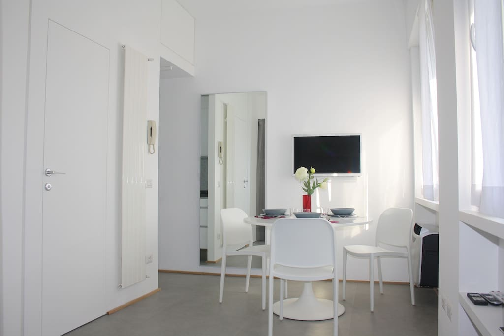 Elegante monolocale in porta romana appartamenti in - Monolocale porta romana milano ...