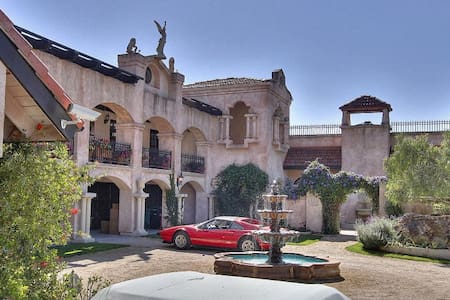 Chateau Carmel - カーメル・バレー - 別荘