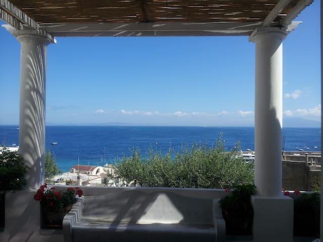 Panoramico a pochi minuti dal mare