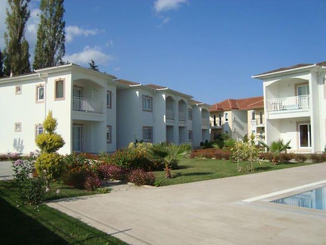 Schöne Ferienwohnung in Camyuva - Çamyuva - Appartement