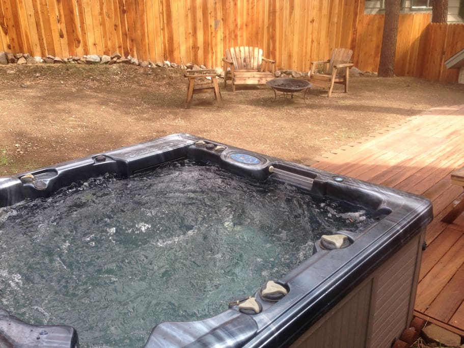 Best reviews 4 bds cabin hot tub houses for rent in for Big bear cabins with jacuzzi tubs