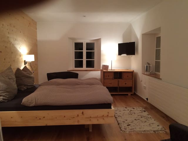Budget & Cozy room bed & breakfast. - Bichlbach - Szoba reggelivel