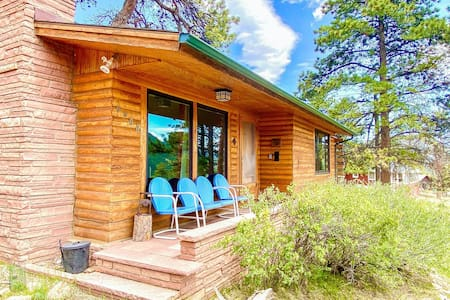NEW LISTING! Perfect mountain cabin w/ wood-burning fireplace & easy park access