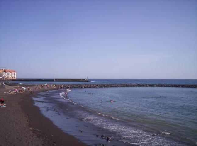 Guimar+beach at 500m+wifi