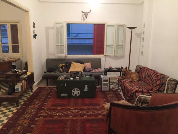 Room in Vintage Apartment (Females/Couples)