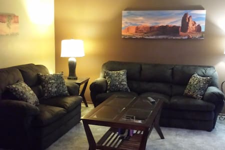 1 bed/1 bath refurbished condo - Bismarck