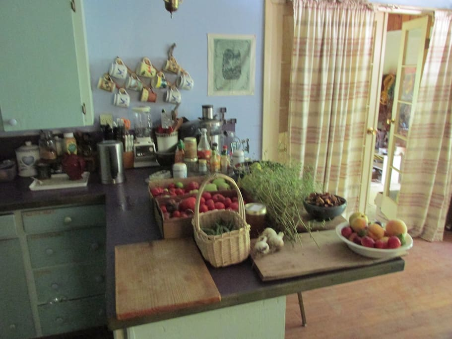 Fully equipped kitchen, for meals as agreed on a donation basis, or for your cooking use.
