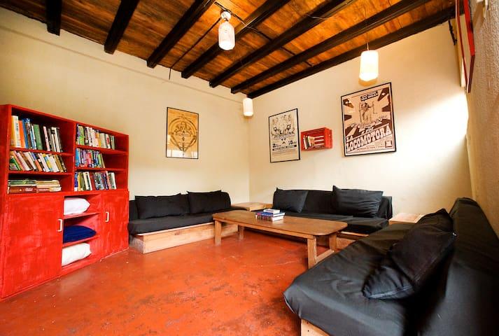 Casa Del Sol, R5 - Great Location!! - Antigua Guatemala