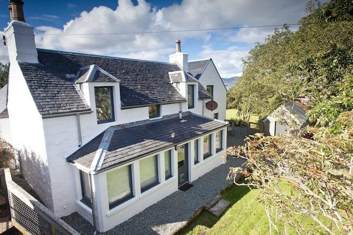 Willowbank Seaside Cottage