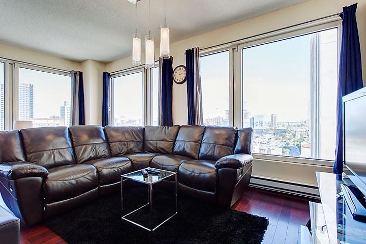 Large 2 BR Condo In The Heart Of Downtown