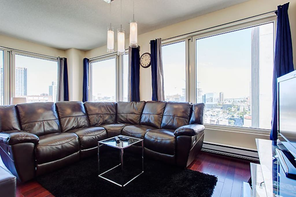 Glamorous Two Bedroom Suite 2 Apartments For Rent In Montreal Quebec Canada