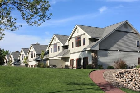 Townhome on the Shore of Cross Lake