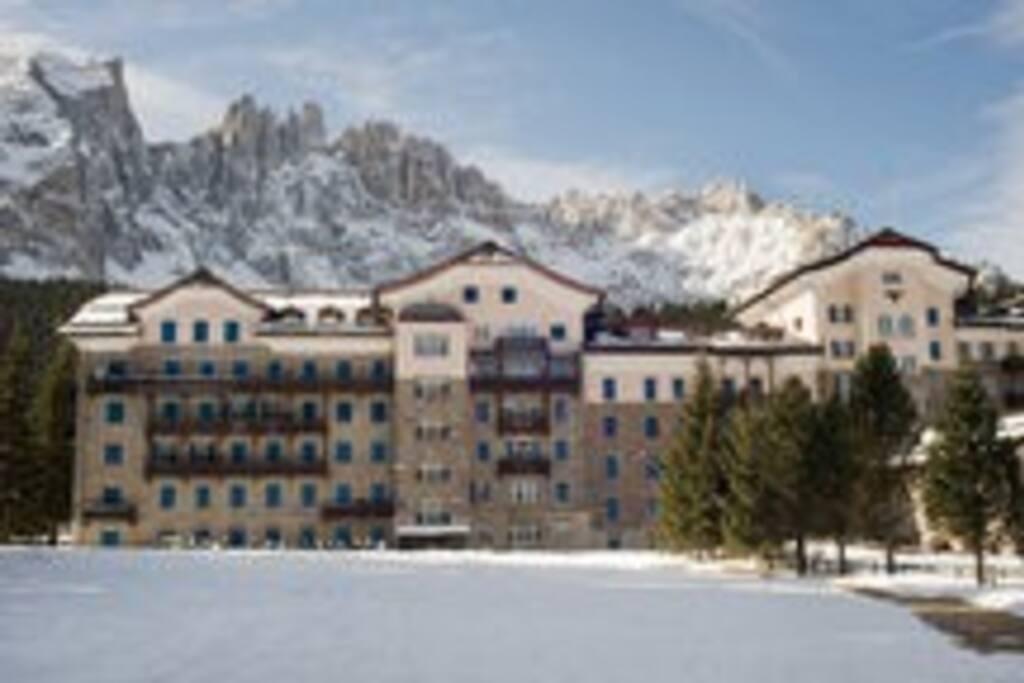 Mansarda nel grand hotel carezza appartamenti in affitto for Appartamenti carezza