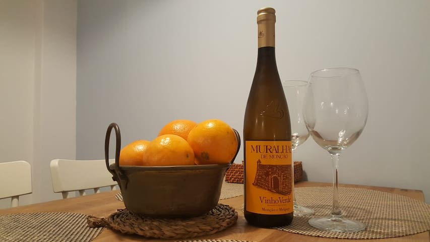 Oranges and vinho verde!