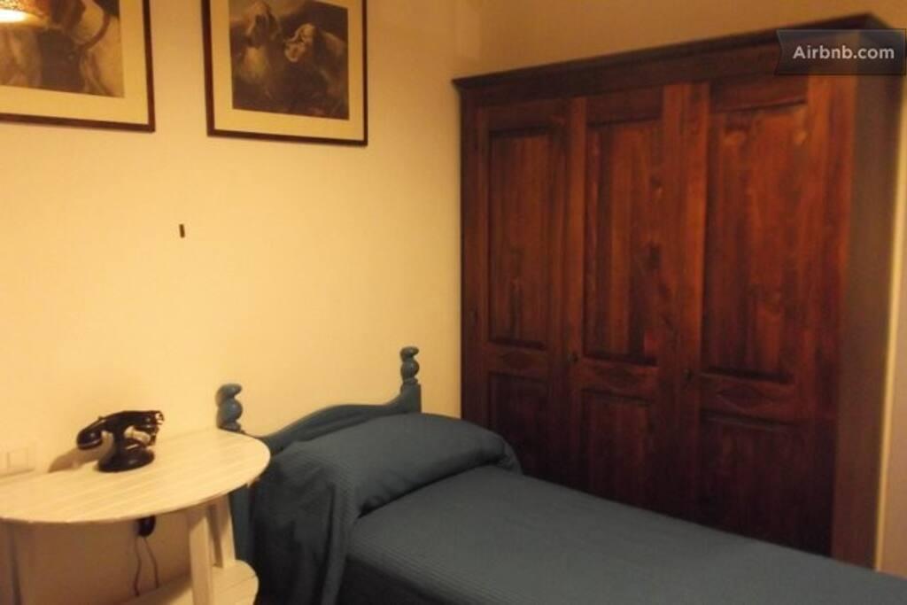 la stanza con due lettini singoli
