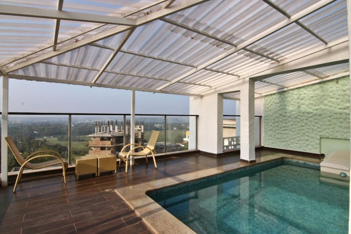 7BHK Villa w/ Rooftop Pool, Goa - Goa - Villa