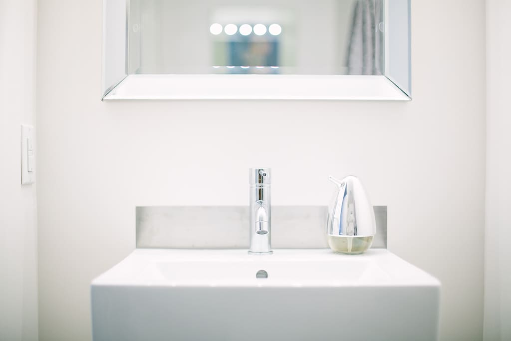 Master 3-piece ensuite  with shower