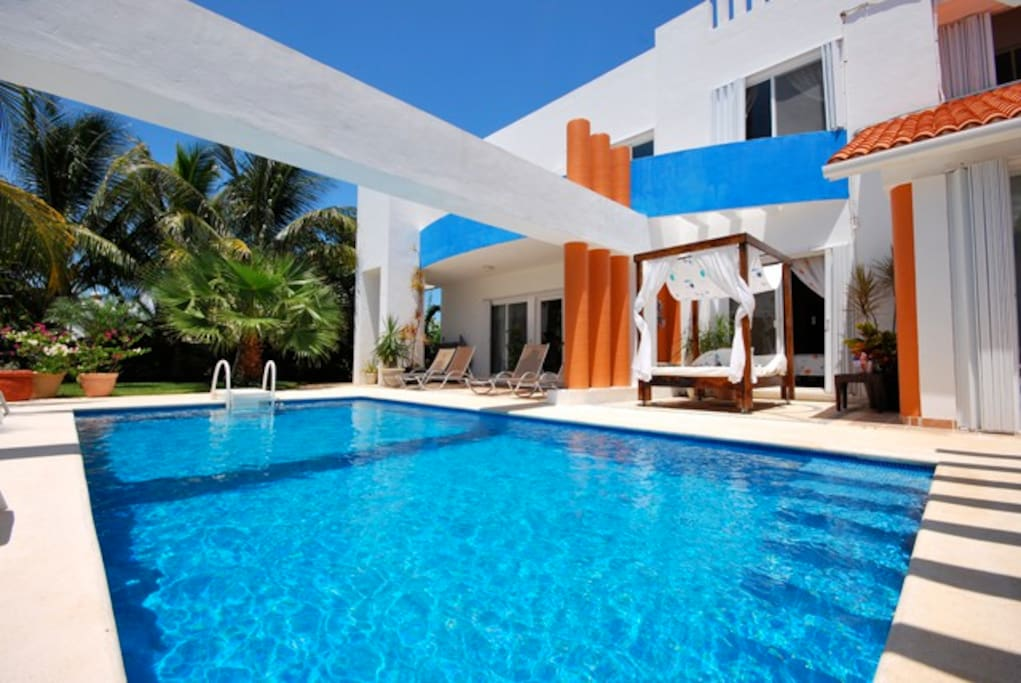 Casa azul located in playa paraiso vacation homes for for Apartamentos playa azul