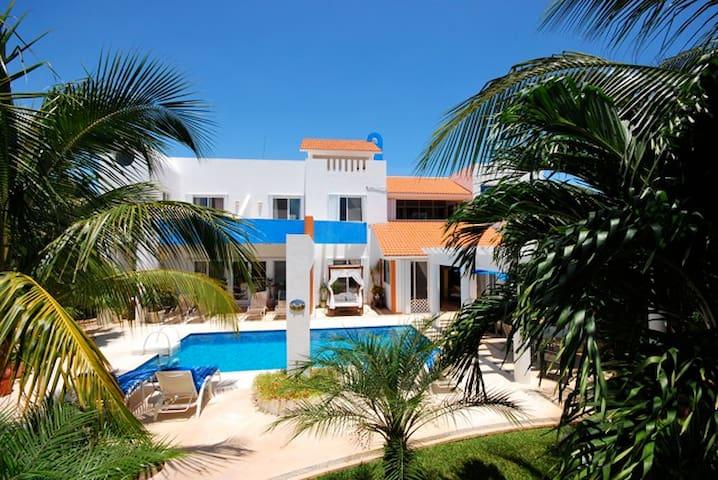 Casa Azul located in Playa Paraiso