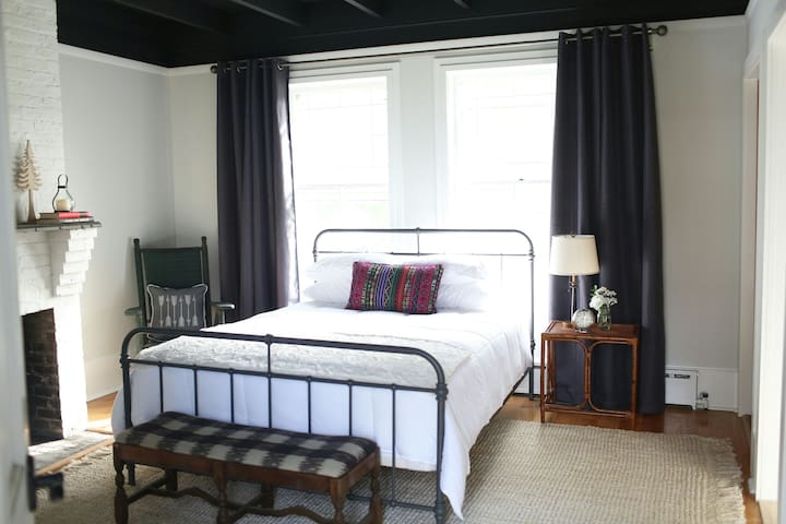 Vibrant Coastal Cottage Private Bed/Bath (Suite 2) - Long Branch - Rumah