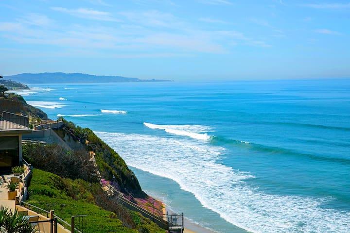 2 Surf Del Mar Beach Club